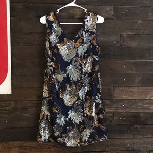 Alya Floral Sequin Vneck Dress-great condition ❣️